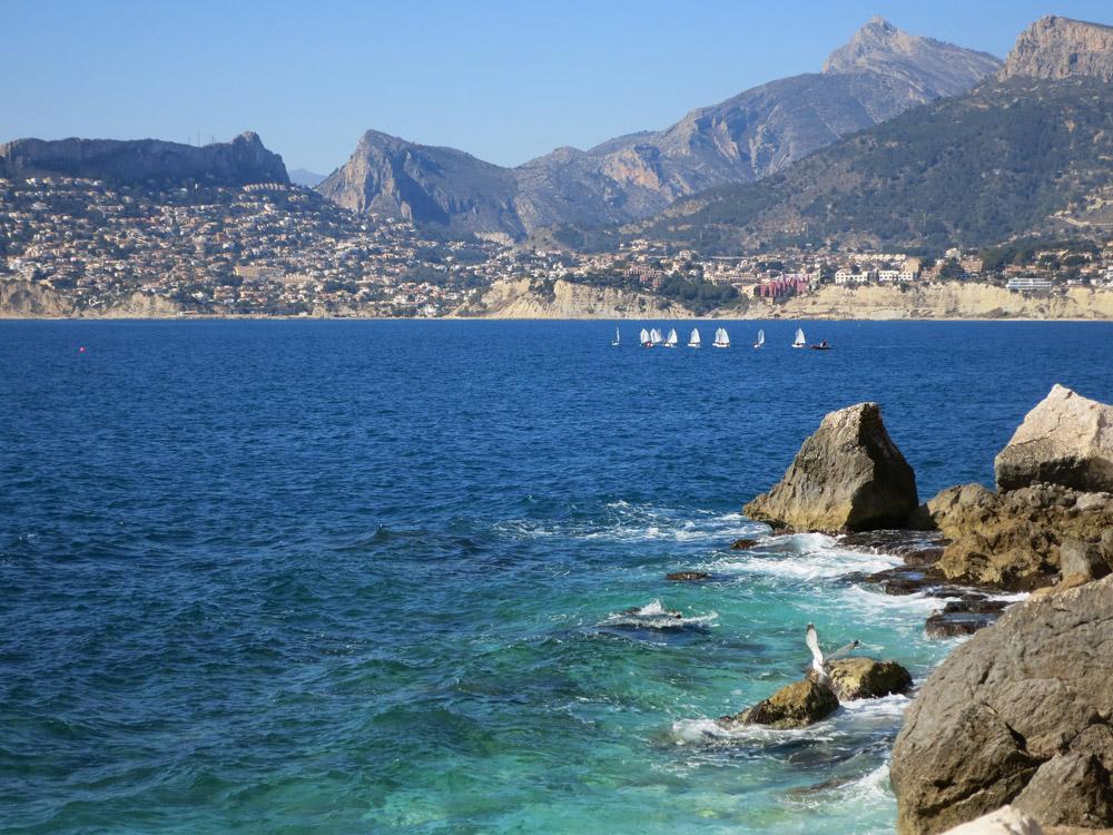 El Mediterráneo desde la base sur del Peñón de Ifach, Calp